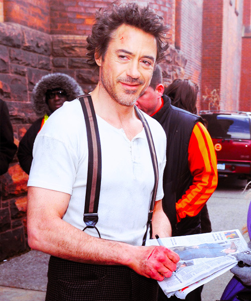 romanovanatalia:  94/100 pictures of Robert Downey Jr.  That is the most smug expression I've ever seen…