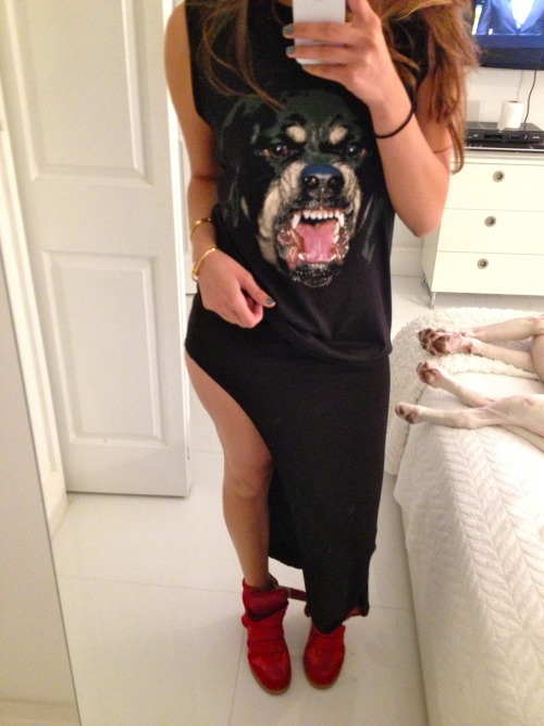 lastof-a-dyingbreed:  This outfit is spot on perfect!