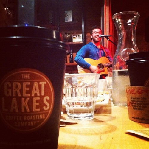 Coffee, acoustics and wonderful people. #detroit #detroitisbeautiful  (at Great Lakes Coffee)