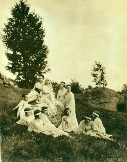 lostsplendor:  The Field: 1922 via The New York Public Library