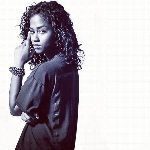 vashtie:  black and white (2010) #c8