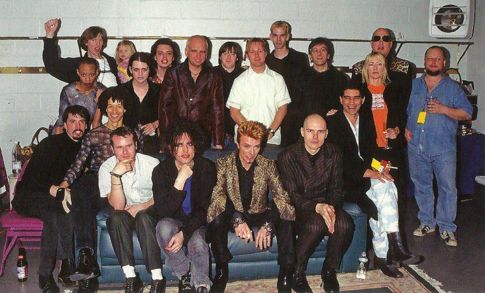 gold-chopsticks:  David Bowie's 50th Birthday CelebrationJanuary 9th, 1997 Thurston Moore, Nate Mendel, Pat Smear, Lee Ranaldo, Black Francis, Brian Molko, Kim Gordon, Dave Grohl, Robert Smith, David Bowie, Billy Corgan