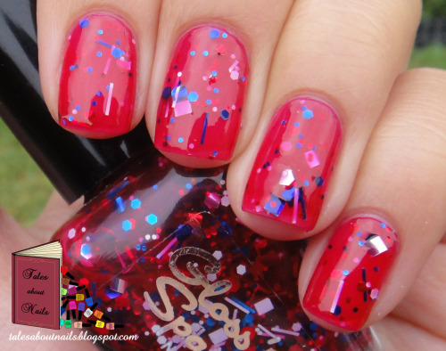 Gloss 'n Sparkle - 3D Glasses Included http://talesaboutnails.blogspot.com.au/