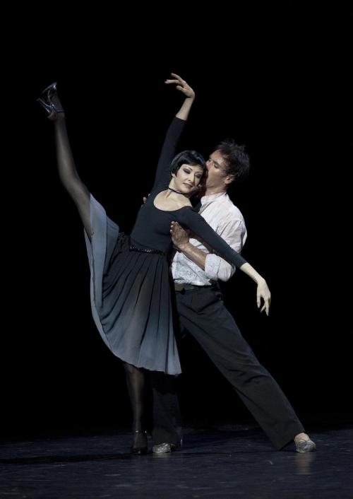 Isabelle Ciaravola and Nicolas Leriche in Roland Petit's Le Rende-vous. Photo (c) Anne Deniau.