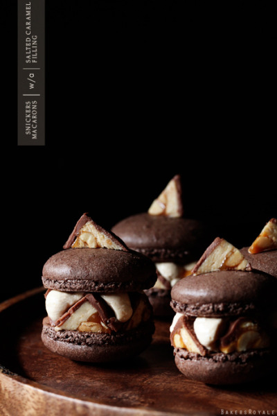 fattiesdelight:  Snickers Macarons