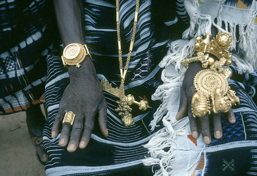 glitterferns:  Village Dignitary, Ivory Coast, By Eliot Elisofon