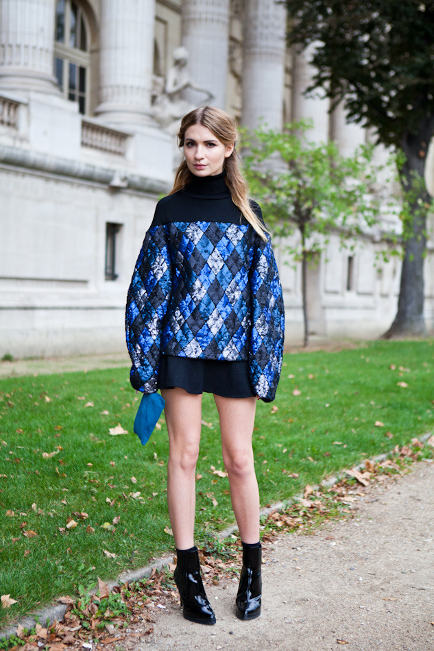 The sequined Sportmax sweater on Maria Kolosova