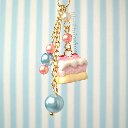 """Sweet Lolita Kawaii Pearls And Strawberry Cake Charm"" by blacktulipshop on Etsy"
