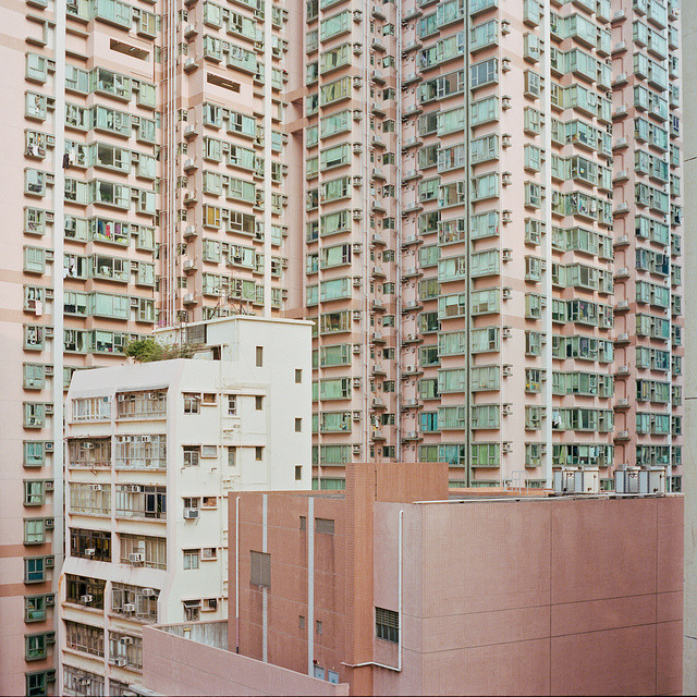 csebastian:  appartments by nasone (Kaspar Bossers) Hong Kong apartments— imagine all the stories inside //  cubiclerefugee:hiromitsu