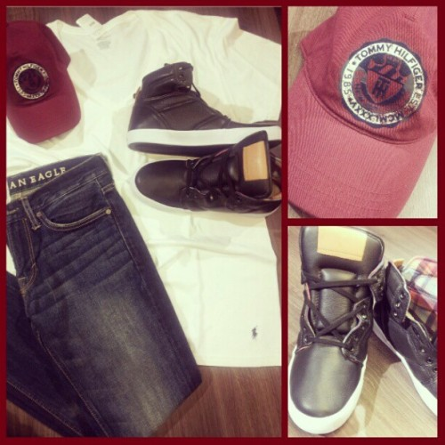 Branco e jeans! #fullstyle #cavalera #RL #TH #americaneagle (at Full Style)
