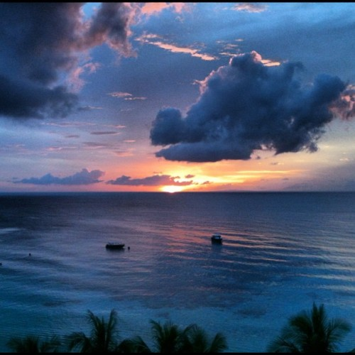 I just love sunsets 🌅 :) (at Boracay Island)