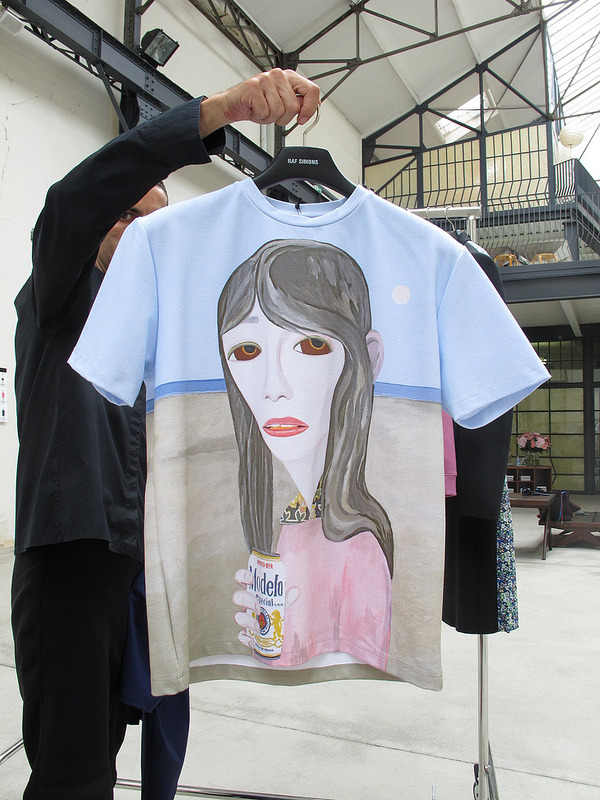 burkaslut:  d-aphne:  kootah:  godlikegenius-sungiant:  raf simons  never going to stop obsessing over this shirt  their shirts are truly stunning  I dream of owning this shirt