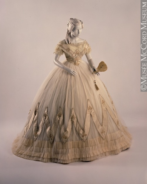 Woman's evening dress circa 1860 to 1863. McCord Museum. Accession Number: M14797.1-2
