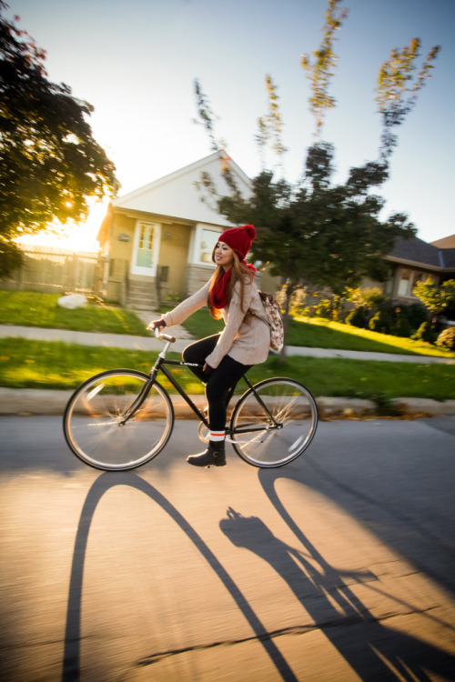 delightfulcycles:  Vyvian + Linus Commuter (by Kevin Luc Photography)