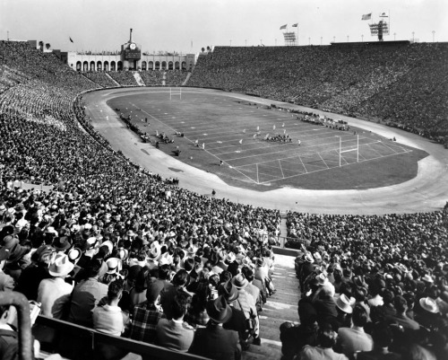 USC vs. UCLA, 1947. Part of the Dick Whittington Photography Collection in the USC Digital Library.