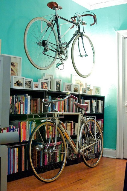 delightfulcycles:  pretty bikes in a pretty home (via eBikeyo)
