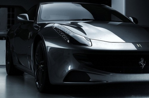 manchannel:  Ferrari F12 Berlinetta by Alan Gardner