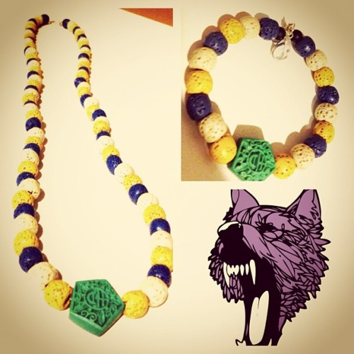 wolfjuice:  Another #jewelry preview for #future patrons of that #WolfJuice #boutique #handmade #beads will be on sale at our pre opening #blackfriday  WolfJuice.com #jersey #jerseycity #fashion #streetwear #streetfashion #dope #showlove #instadope  (at Wolf Juice Boutique)  Check out these dope ass beaded necklace/bracelets from @wolfjuice
