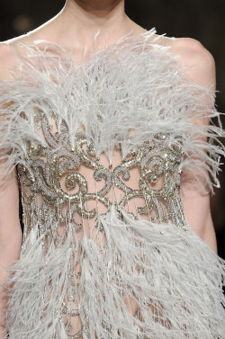 d-aisychain:  girlannachronism:  Marchesa spring 2012 ready-to-wear details  wow