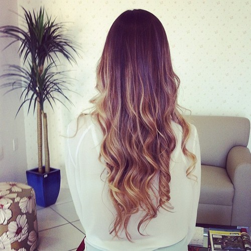 Love this hair color and how natural it looks!