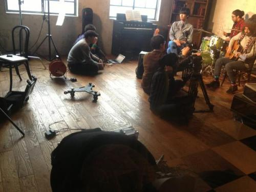Small O MV filming