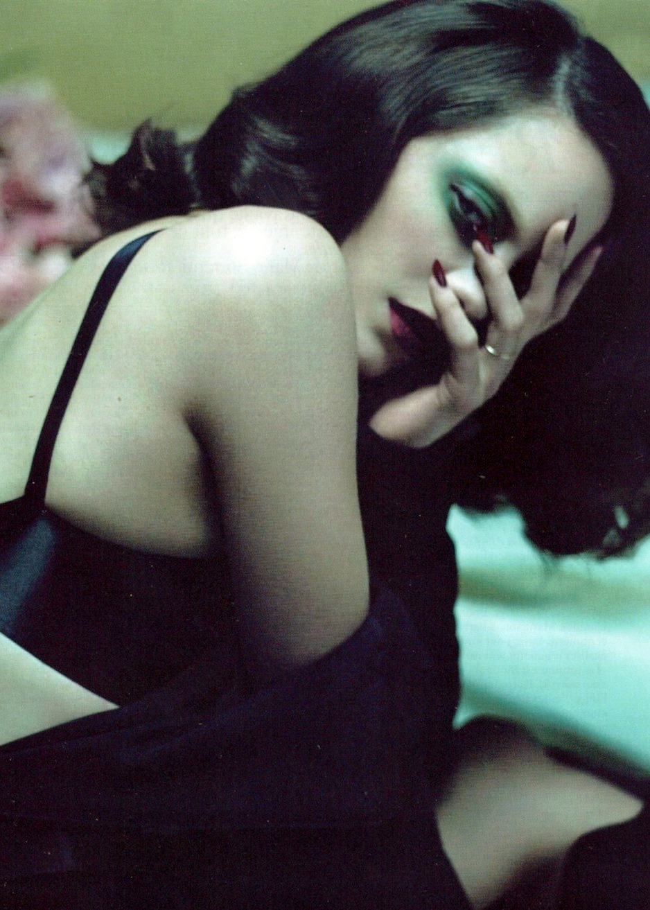 Marion Dans les Yeux, Marion Cotillard by Mert & Marcus for Vogue Paris September 2010.
