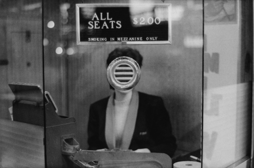 zeroing:   Joel Meyerowitz    Suddenly, Sunday.