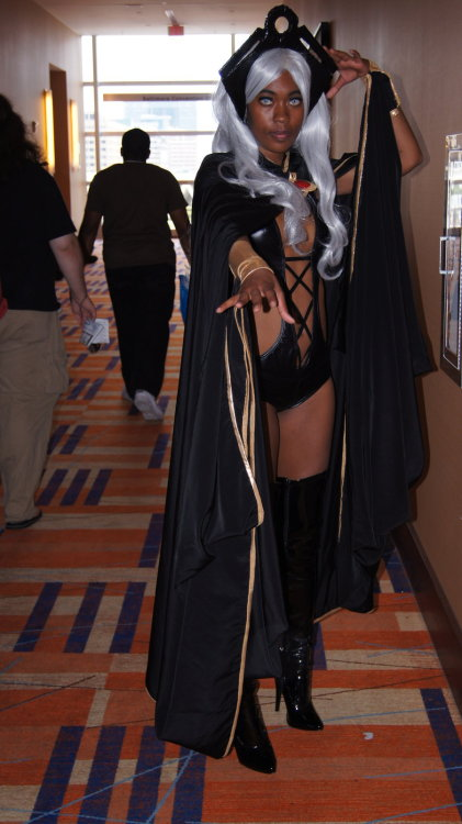 cosplayingwhileblack:  Otakon 2012: 60 by ~I-hate-The-world Character: Storm Series: X-men