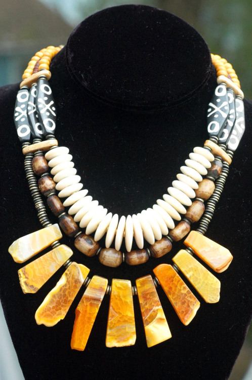 Madagascar: Exotic Tribal Brown Bone, Shell Disc and Amber Agate Fringe Necklace