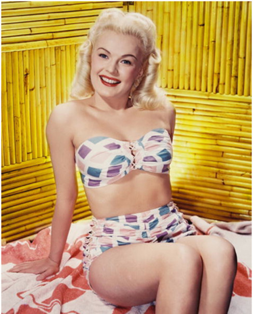 theniftyfifties:  June Haver, 1950