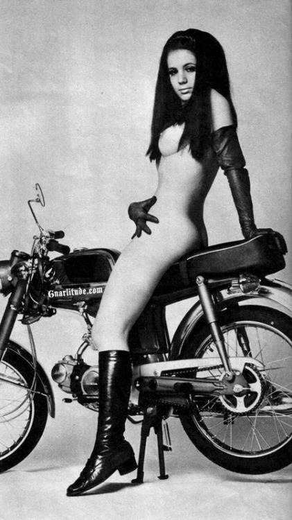 Say what you will about that Honda she's sitting on but this old photo is fuckin' sick…. ! (& the whole shoot gets even better…)