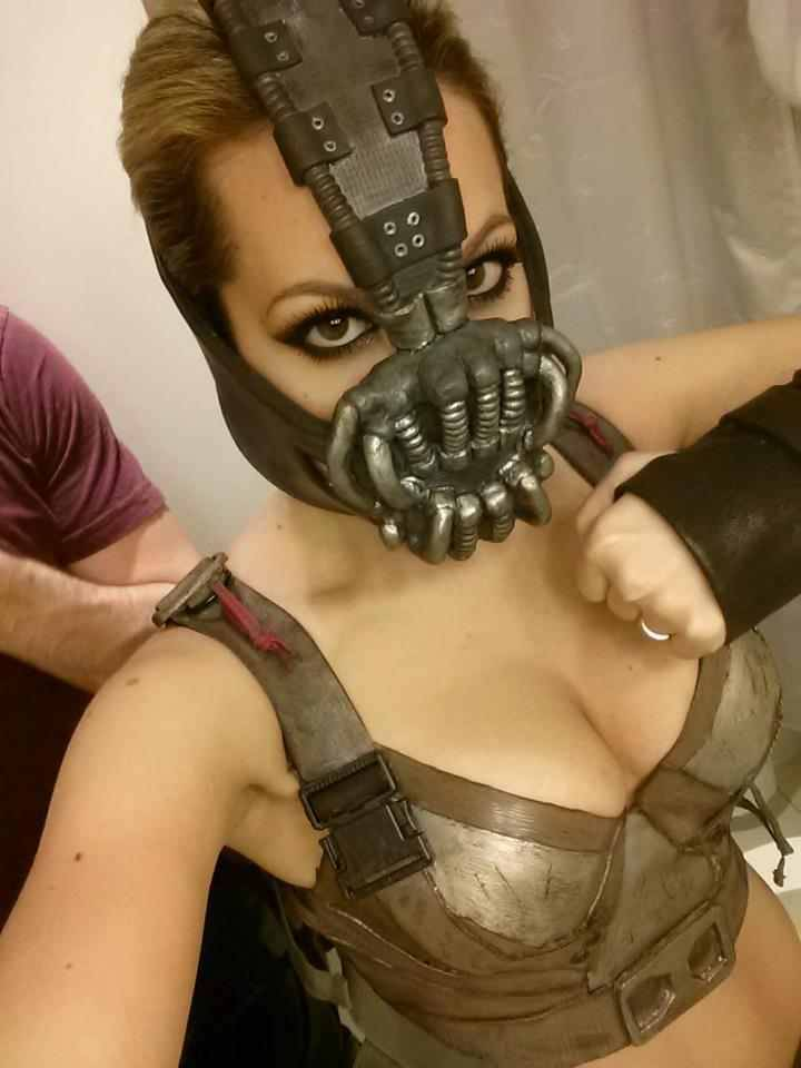SUPER HOTTIE BANE COSPLAY