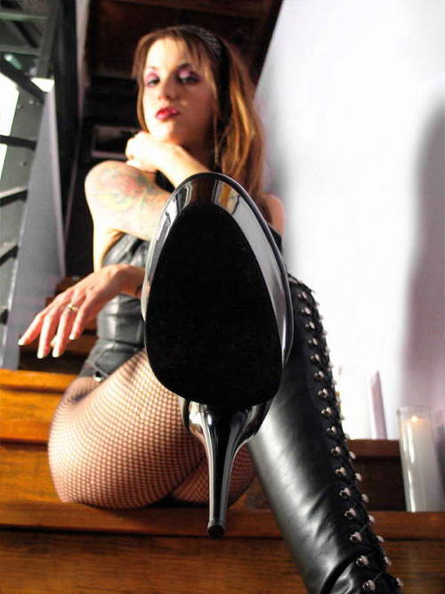 my-dominatrix-romance:  These boots were made for….