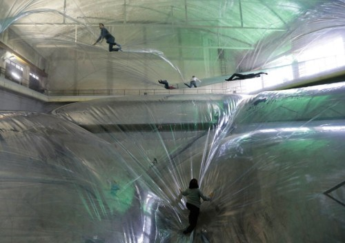 unusualyoung:  Tomás Saraceno's Adult Playground - 'On Space Time Foam'