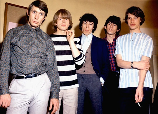 CHARLIE WATTS, BRIAN JONES, BILL WYMAN, KEITH RICHARDS et MICK JAGGER (juillet 1964)