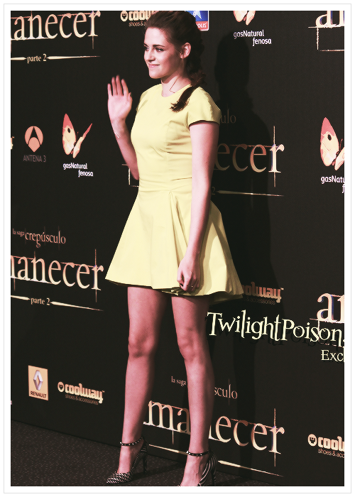 fashion-overdosexo:  loving this hot yellow dress Kristen Stewart wore at the Breaking Dawn: Part 2 Spain premiere.   Love for fashion? Click here http://fashion-overdosexo.tumblr.com/