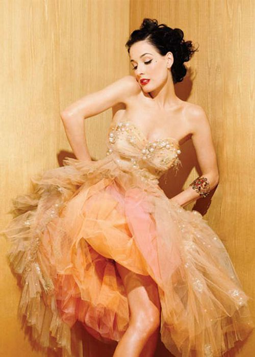 fuck-yeah-orange:  Dita in orange