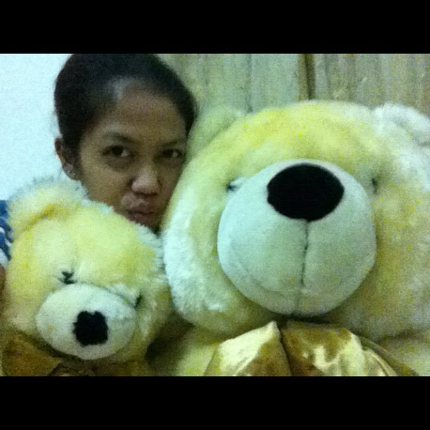 Guess what? Both of my teddy just came back from the Laundry! They spent almost one month in the Laundry!! I missed them so much!!