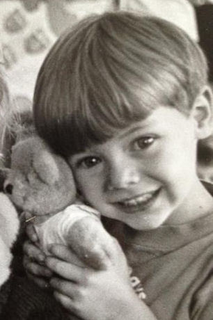 harrystylesvideos:  Oh, how I wish I was that Teddy Bear!