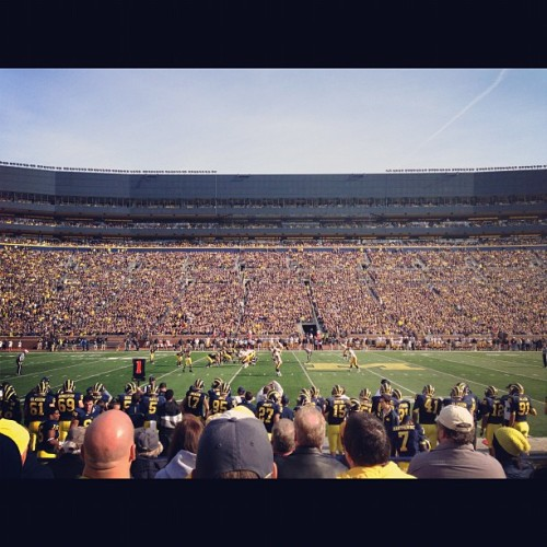 #Michigan v #Iowa game at the #BigHouse #CFB #NCAA @bgabriel83 @jaredmagouirk  (at Michigan Stadium)
