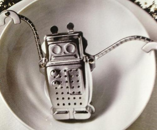 gabrielle-gantz:  Robot tea infuser [via]  I want it.
