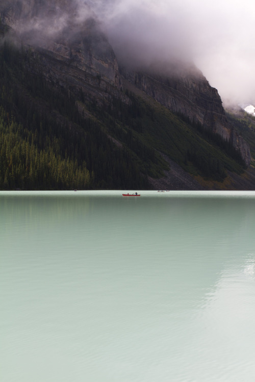 heynorth:  definitelydope:  Nature's Simplicity (by louids)  The moving glacial ice constantly grinds away the Lake Louise bedrock creating silt that causes this beautiful emerald colour. We marvel at the apparent simplicity of nature yet nature is anything but.