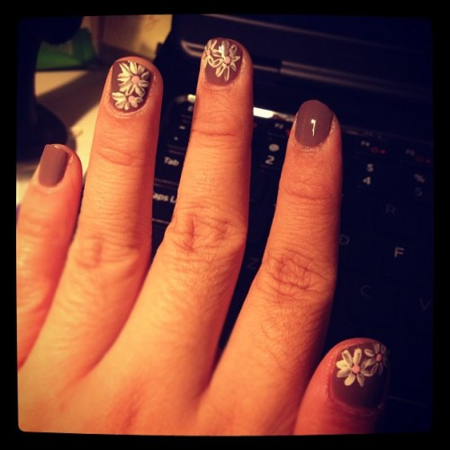#chrysanthemum #nails #likeaboss #winter #avoidingwork #likeaboss
