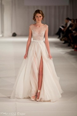 crystuls:  c-reer:  gratekate:  Paolo Sebastian  i need this dress  more of these posts here!