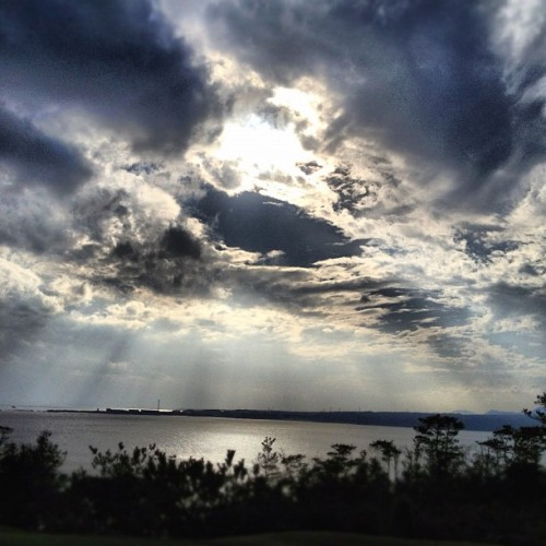 #okinawa #japan #sky #sea #cloud #sun #sunset #instagram #webstagram