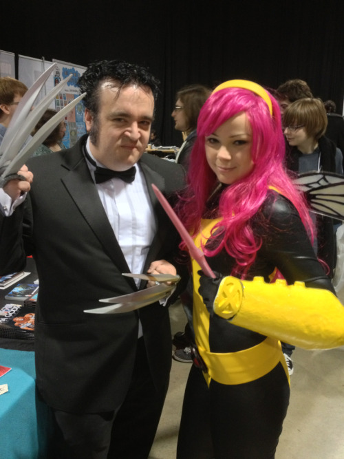 iandsharman:  Pixie and Logan.   I WANNA LUV ALL DA PIXIE COSPLAYRS!!!!!! =D