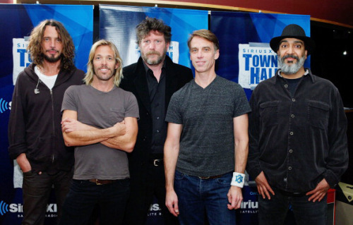 Download the 90-minute SiriusXM Town Hall With Soundgarden, moderated by Foo Fighter Taylor Hawkins, which aired on Pearl Jam Radio. (H/T GrungeReport.net)