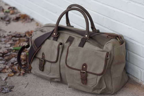 The Navali Stowaway Canvas Weekender Source: mypantalones.tumblr.com