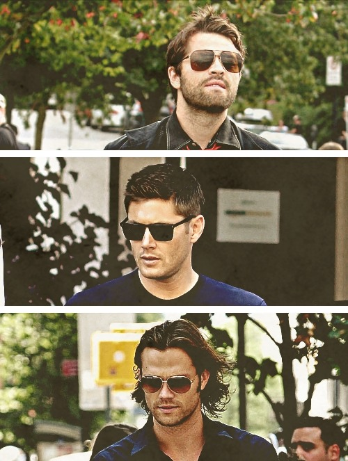 shadow-of-a-whisper:  pineappledean:  j2m + sunglasses   Reblogged for the gif. *nods*