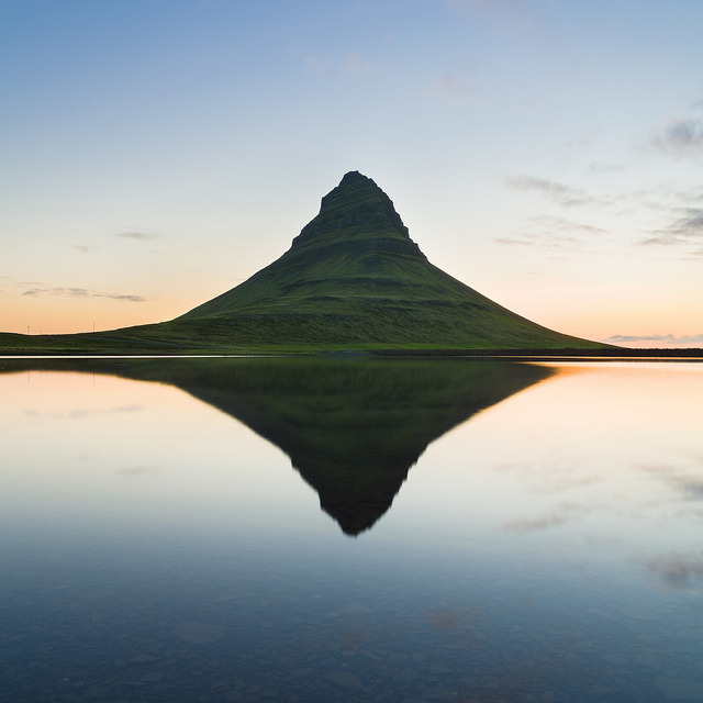 Kirkjufell by Oscar Bjarna on Flickr.